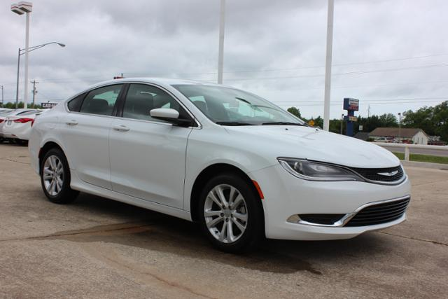 Used Chrysler 200 4dr Sdn Limited FWD