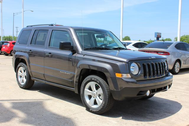 New Jeep Patriot FWD 4dr Sport